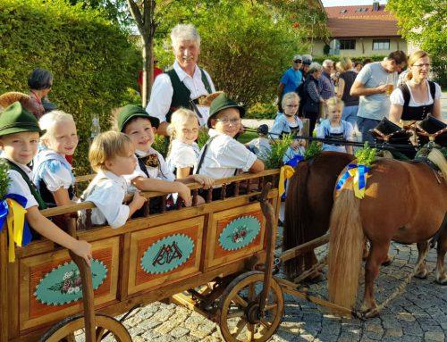 Einzug zum Bieranstich ins Aschauer Markt Festzelt am 28.08.2019